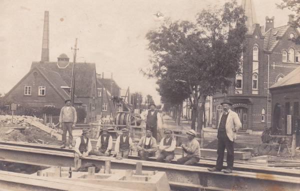 jernbanearbejder i byen
